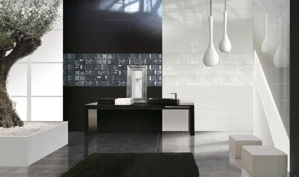 Koupelna s kombinací černého a bílého obkladu Brennero Luce Frame