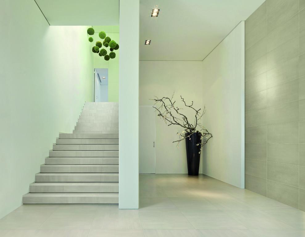 Světlá dlažba na schody Refin Cromie Fango 01 & 03