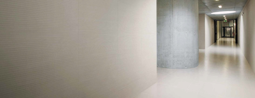 Minimalistický obklad Coem Ceramiche T.U Cold White
