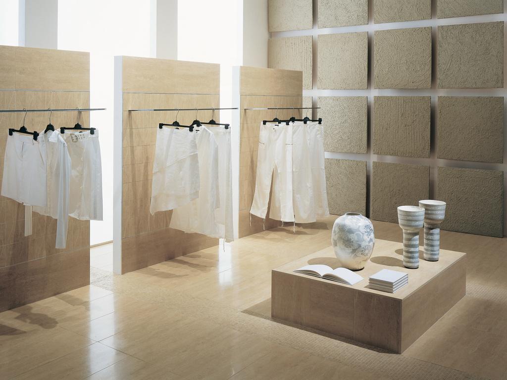 Obklad a dlažba v butiku Coem Ceramiche Travertino Romano Al Verso Beige
