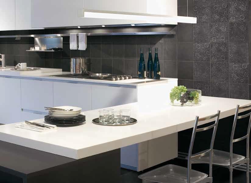 Černý kamený obklad v kuchyni Cerdomus Tableau Noir