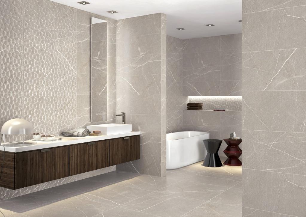 Světlešedý až béžový vzorovaný koupelnový obklad edice Baltimore od španělského výrobce APE
