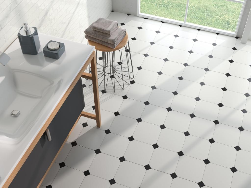 Černo-bílá osmihranná dlažba do koupelny od výrobce Ape Eight