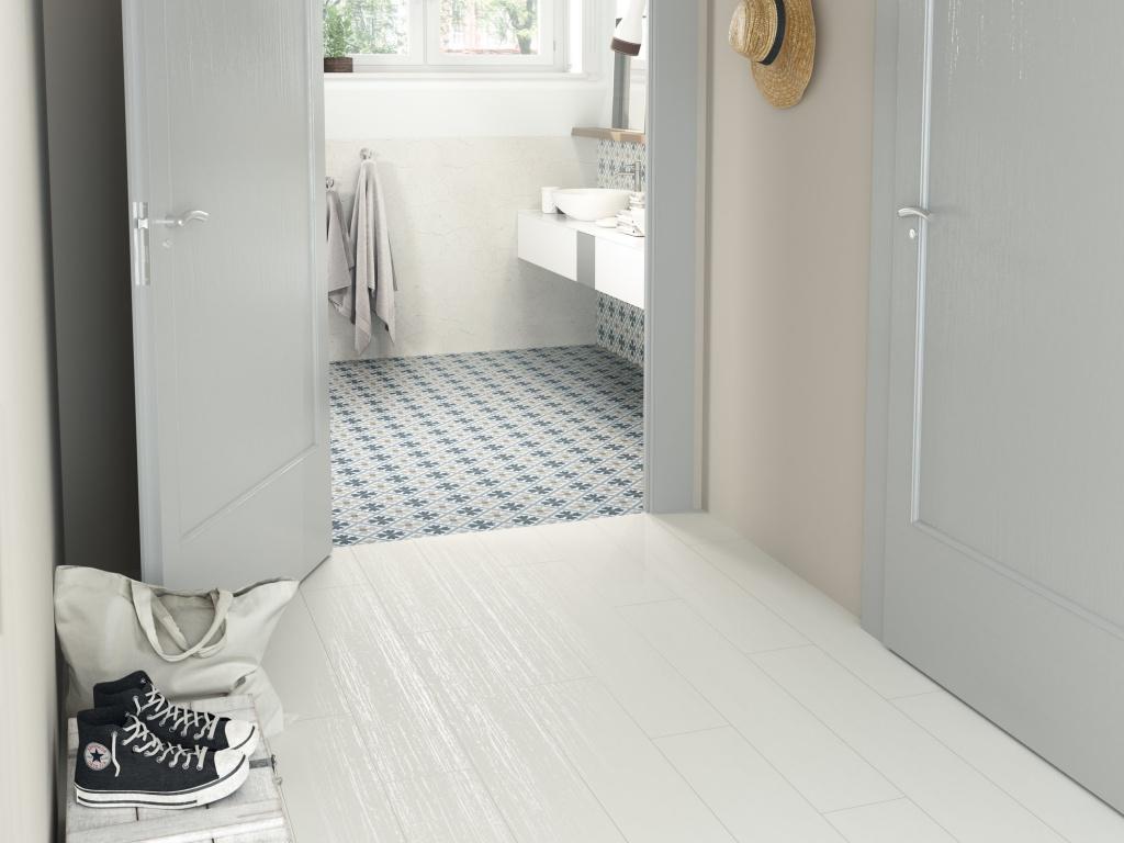 Krásná dlažba do koupelny se vzory od výrobce Ape Fiorella