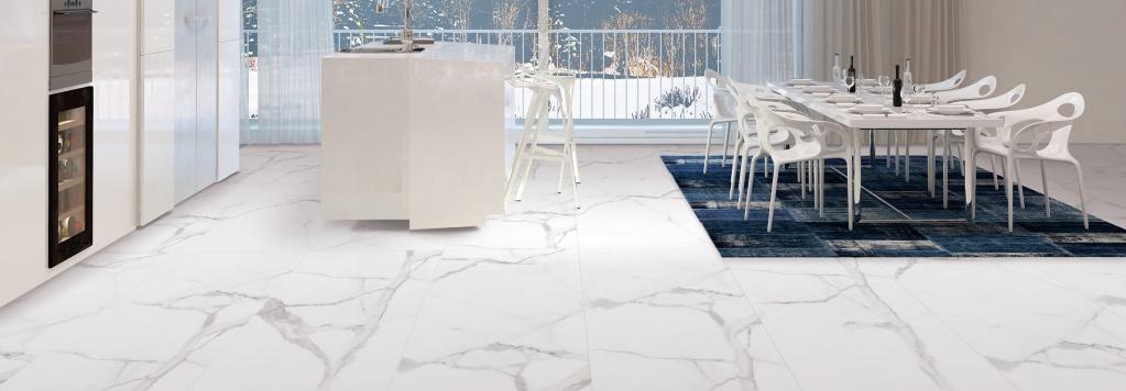 Světlá dlažba do interiéru s nádechem mramoru od výrobce Cicogres Alsacia