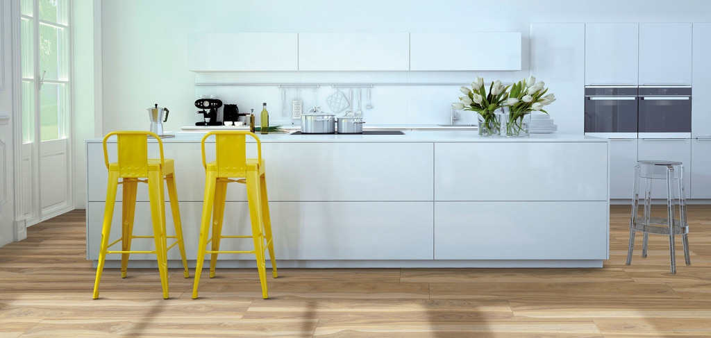 Dlažba v barvě a imitaci dřeva do kuchyně od výrobce Cicogres Arnon