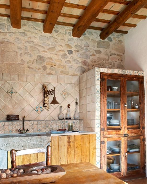Světlý obklad do retro kuchyně se vzory od výrobce Sant Agostino I Chiostri