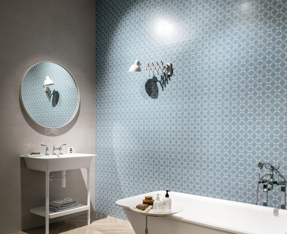 Modro-stříbrný koupelnový obklad se vzory od výrobce Sant Agostino Metrochic