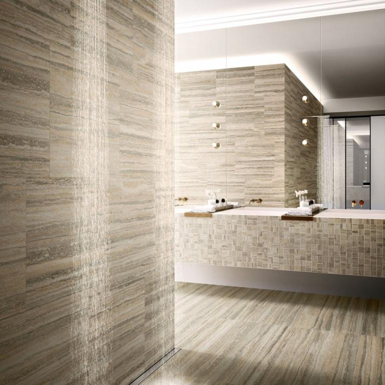 Světlá koupelna v imitaci kamene od výrobce Sant Agostino Tipos