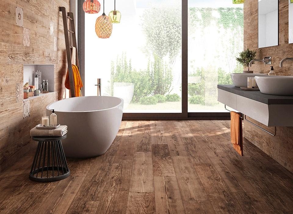 Tmavá dlažba v imitaci dřeva od výrobce Elios Sequoia Century