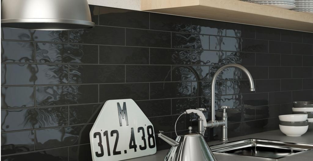 Černé lesklé obklady do kuchyně od výrobce Elios Epoque