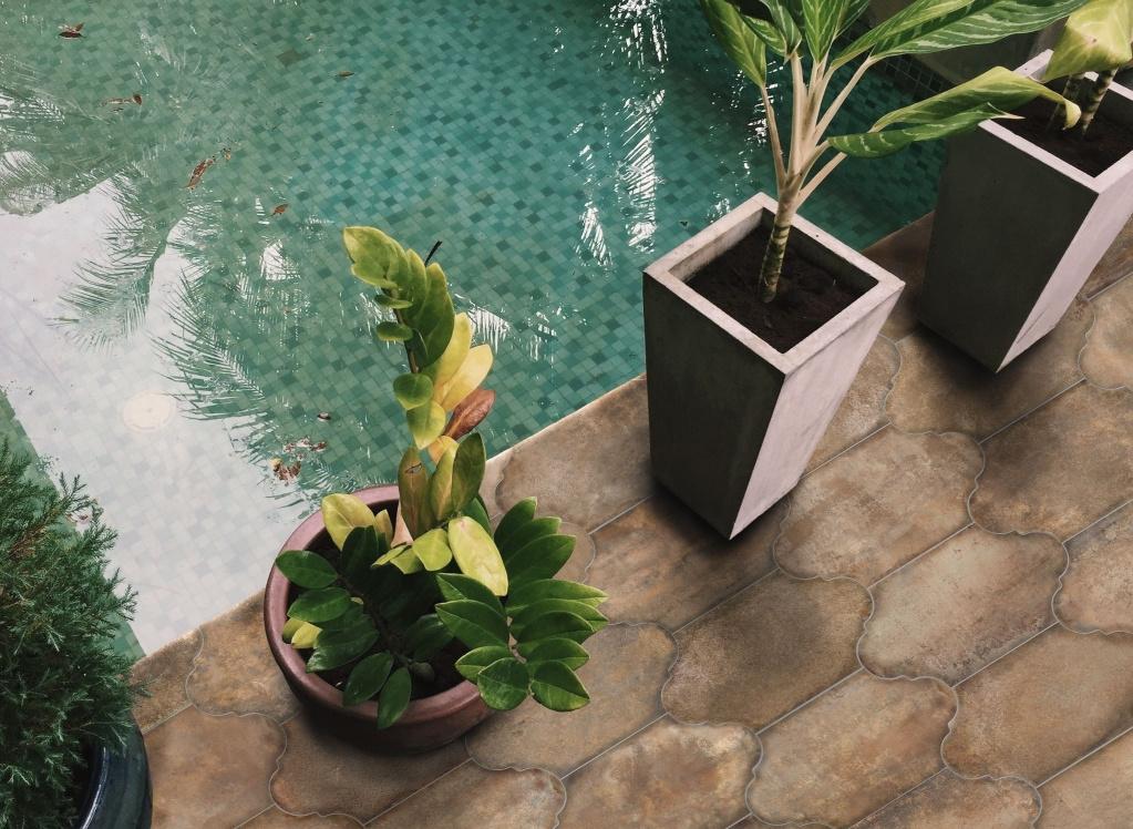 Dlažba na ven třeba okolo bazénu od výrobce Codicer Provenzal Alhama