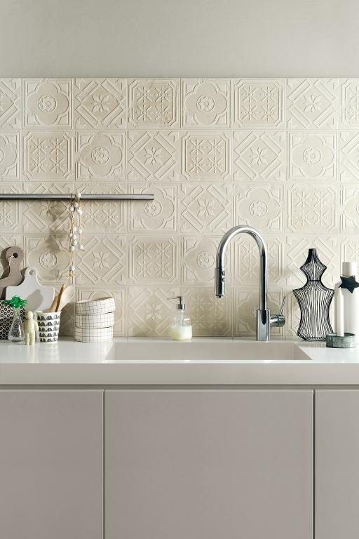 Béžový obklad se vzory do kuchyně od výrobce Fioranese Formelle_20