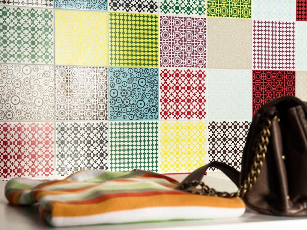Patchworkový obklad zářící všemi barvy od výrobce Ascot Wonderwall
