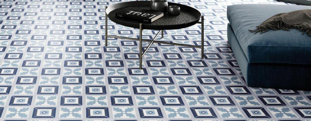 Modrobílá dlažba Codicer Riviera Saint Tropez Blue tvořící vzory