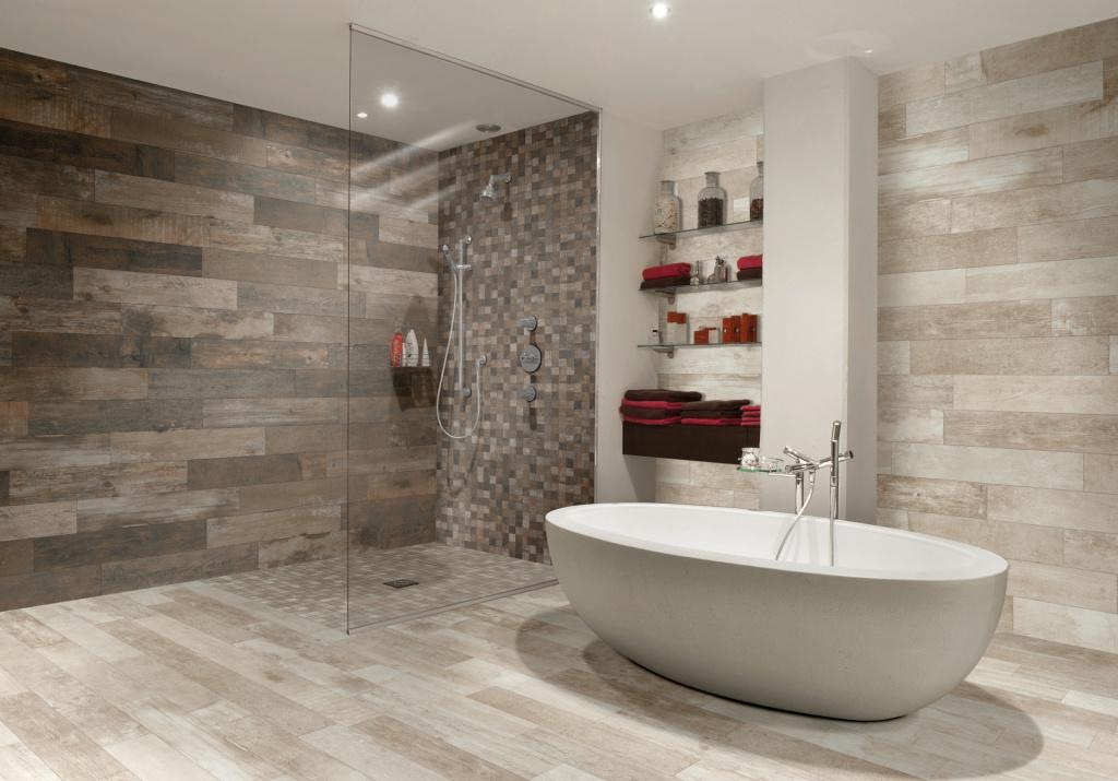 Obložení koupelny dřevem v inspiraci od výrobce Mariner Fulton