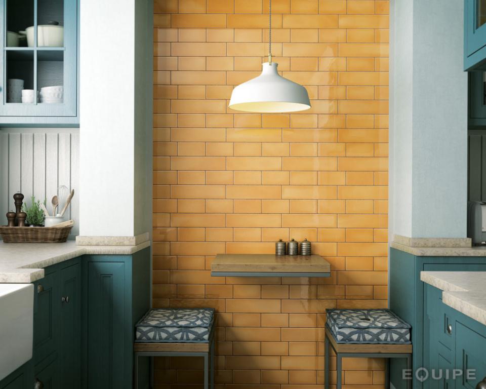 Lesklý obklad na stěnu kuchyně Equipe Crackle