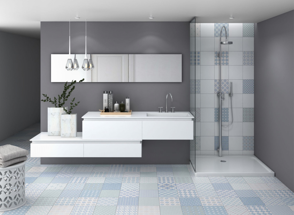 Modro-bílá koupelna se vzory Codicer Mediterránea Mix