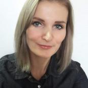 Andrea Hakenová