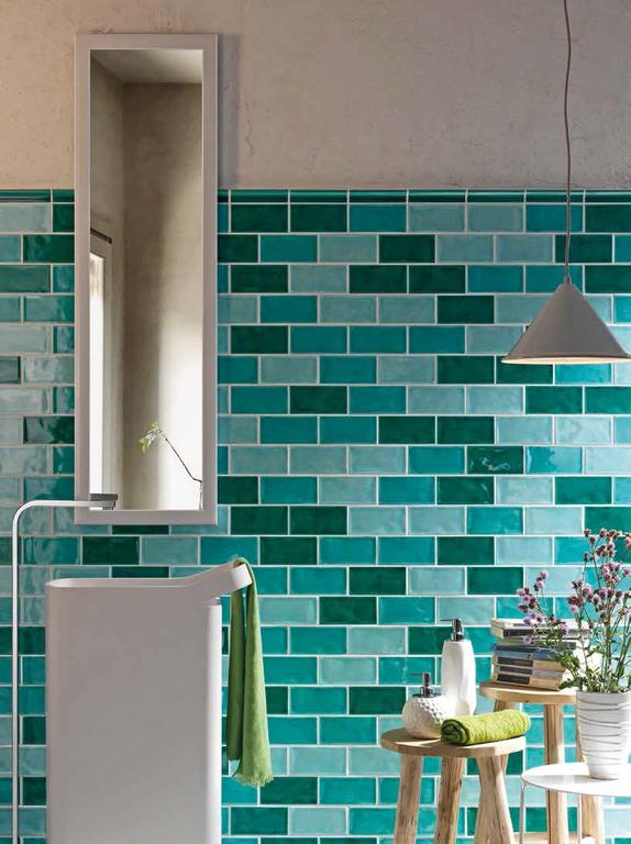 Panelakove koupelny může nabídnout Tonalite Kraklé Acqua, Chiara & Bottiglia