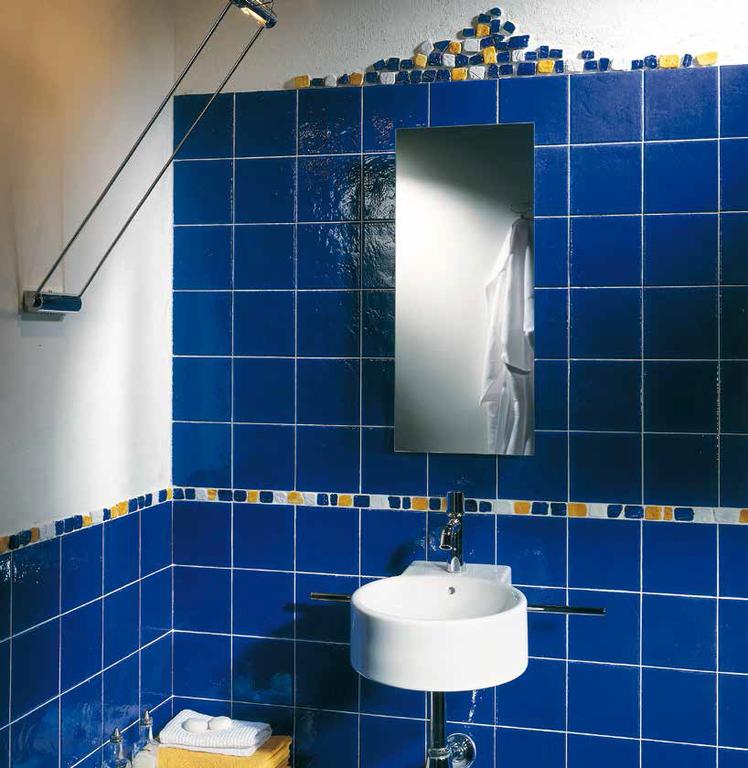 Modré obklady do koupelny Tonalite Provenzale Royal Blu