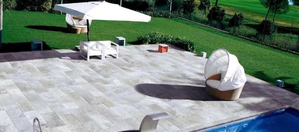 Protiskluzová dlažba k venkovnímu bazénu Coem Ceramiche Quartz Silver