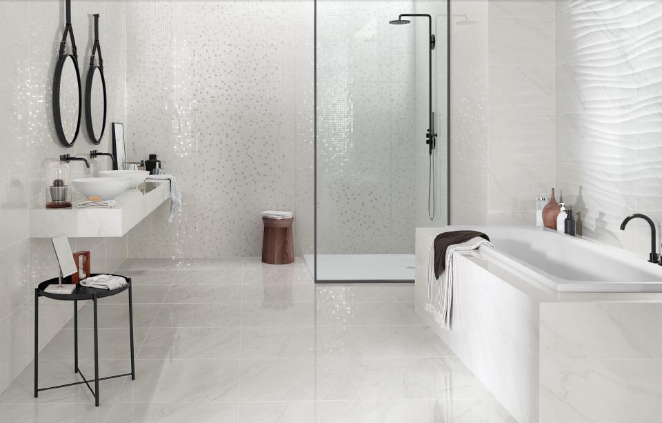 Bílá mozaika do koupelny v kombinaci matu a lesku Love Ceramic Marble
