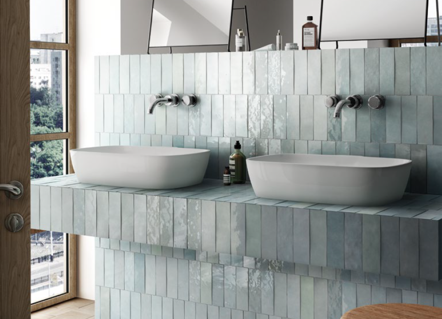 Lesklé světle modré obklady do koupelny Equipe Artisan