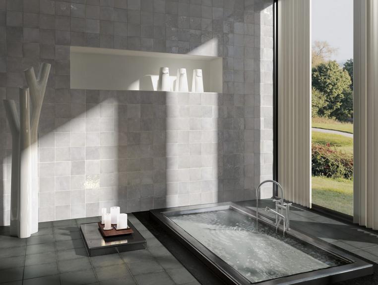 Moderní šedé obklady do koupelny s vysokým leskem Equipe Artisan