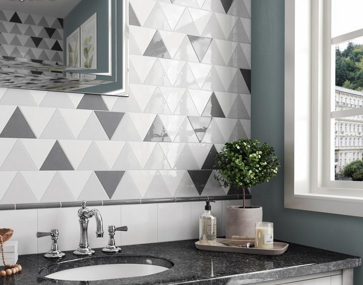 Bílé a šedé obklady ve tvaru trojúhelníku Equipe Scale