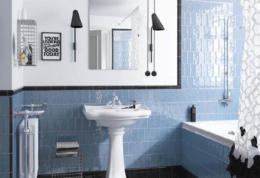 Lesklé obklady do koupelny v modré barvě Equipe Masia